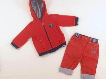 Sweat zippé à capuche rouge + Pantalon rouge à revers