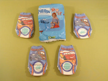 Huggies Pull-Ups paquet entamé : 4 couches à enfiler, taille 5 (11-18kg), Cars