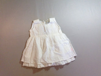 Robe s.m blanche broderies