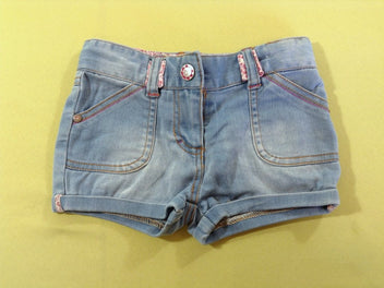 Short jeans clair à revers