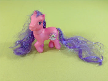 My little pony : petit poney rose, crin très long mauve irisé