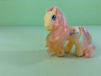 My little pony : petit poney orange clair, crin orange irisé