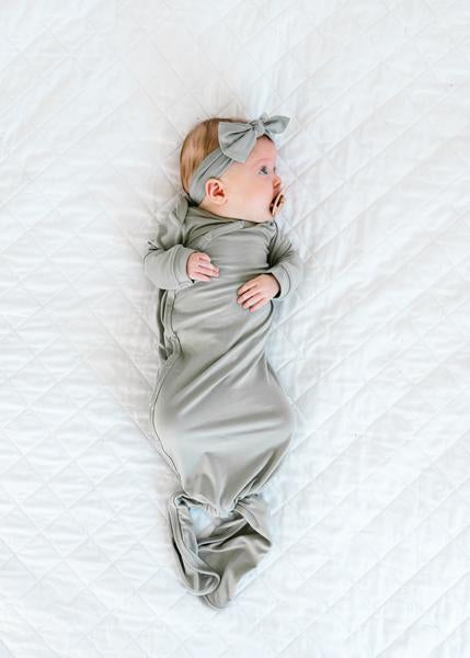 Copper Pearl Newborn Knotted - Gown Stone X002GTBSC3