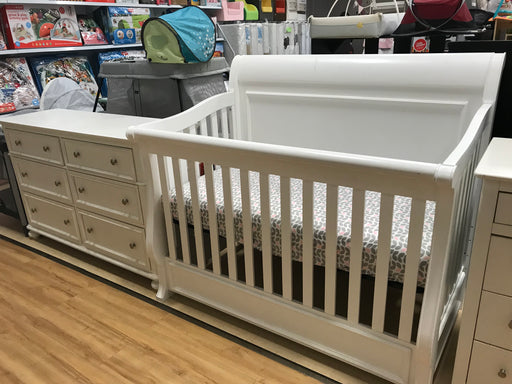 Smart Stuff Crib + Dresser  (Markham Floormodel)