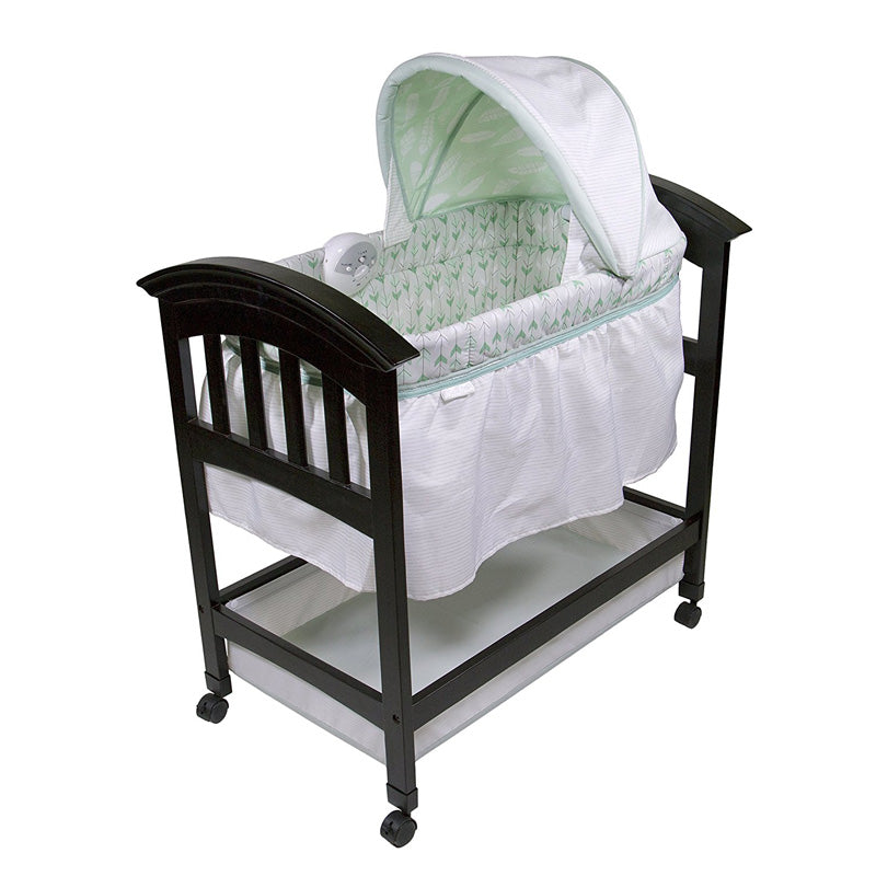 Summer Infant Classic Comfort Wood Bassinet On Point