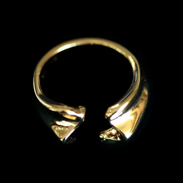 CLAM SHELL CUFF RING
