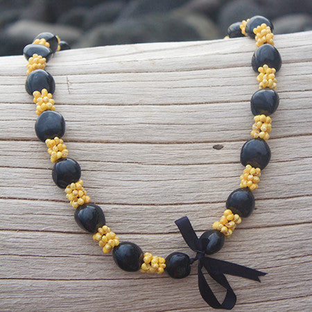 Kukui Nut Lei yellow Mongo Shell