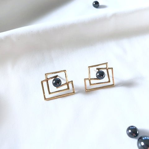 Volten Square Earrings 14k gold- hematite