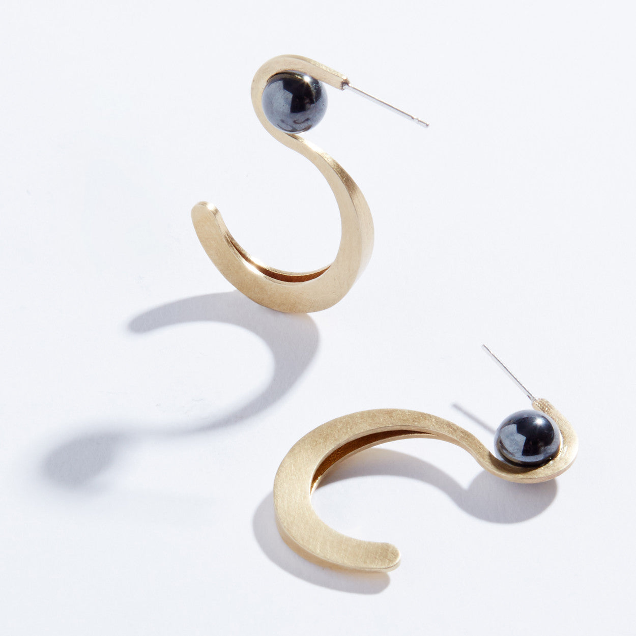 Metalepsis Yuyu Earrings