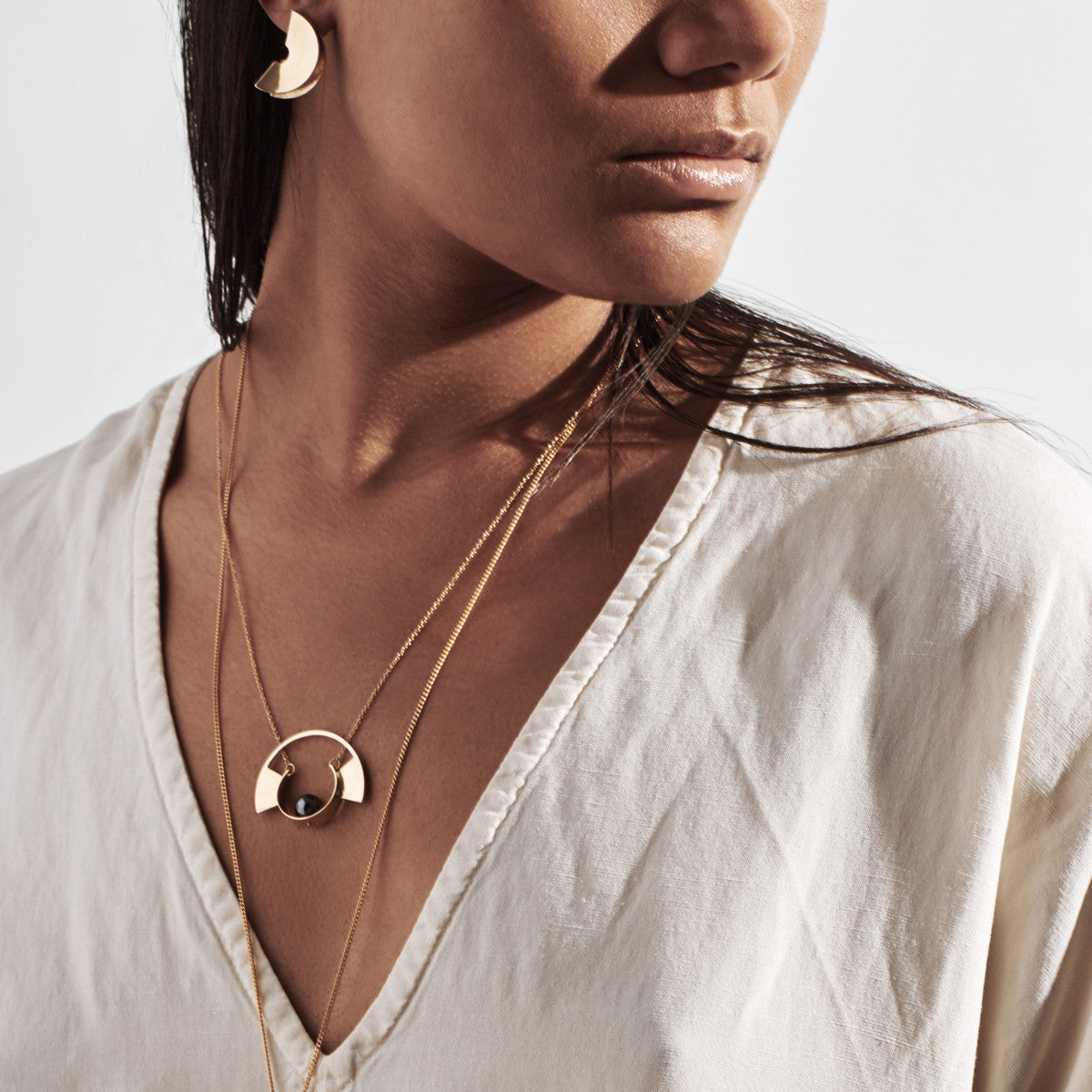 Metalepsis Jewelry - Lygia Earring and Yuyu Necklace