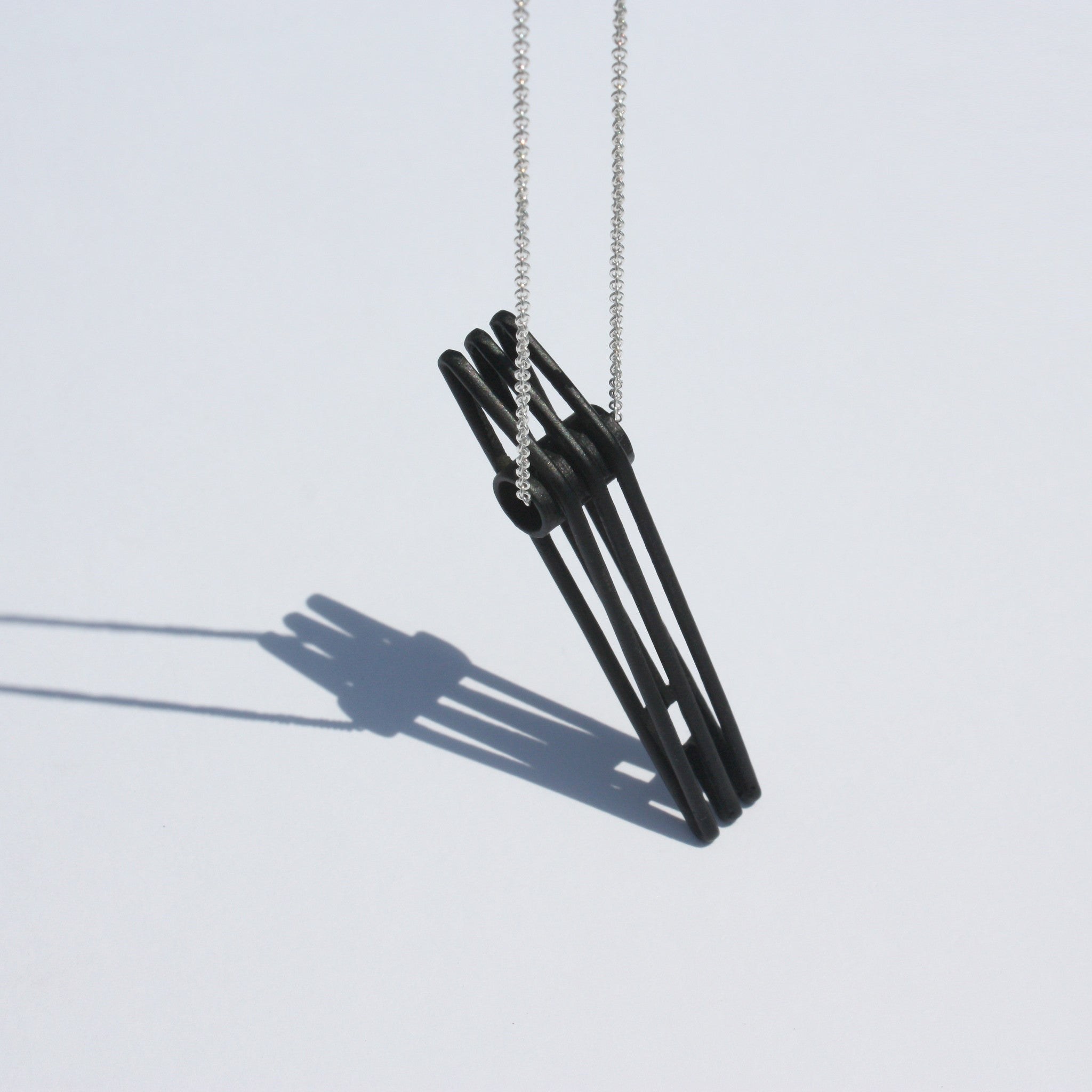 Metalepsis Bridge necklace - matte black