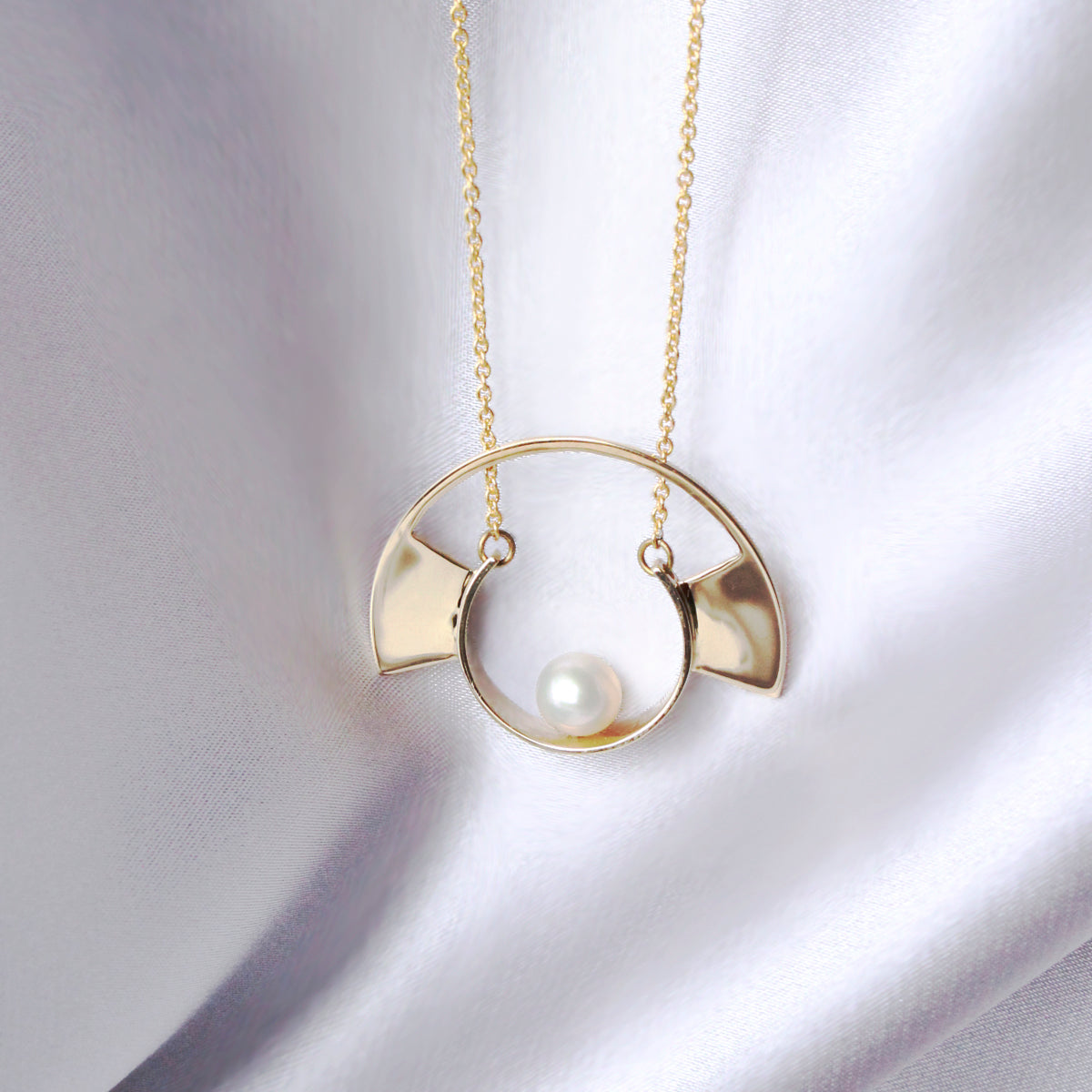 Yuyu Necklace- Pearl