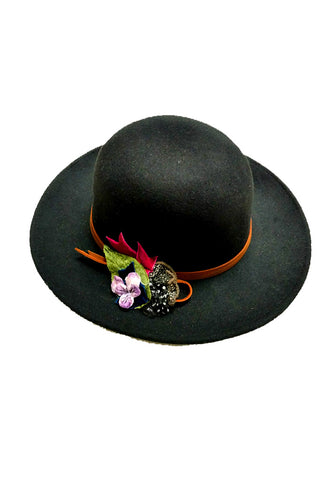 Mid Brim Felt Hat with velvet and dotted floral trim