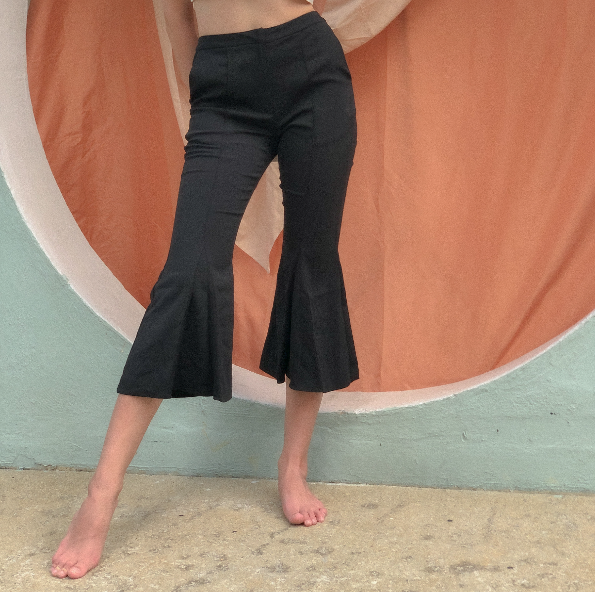 Cropped Flare Pants by Ultramarine