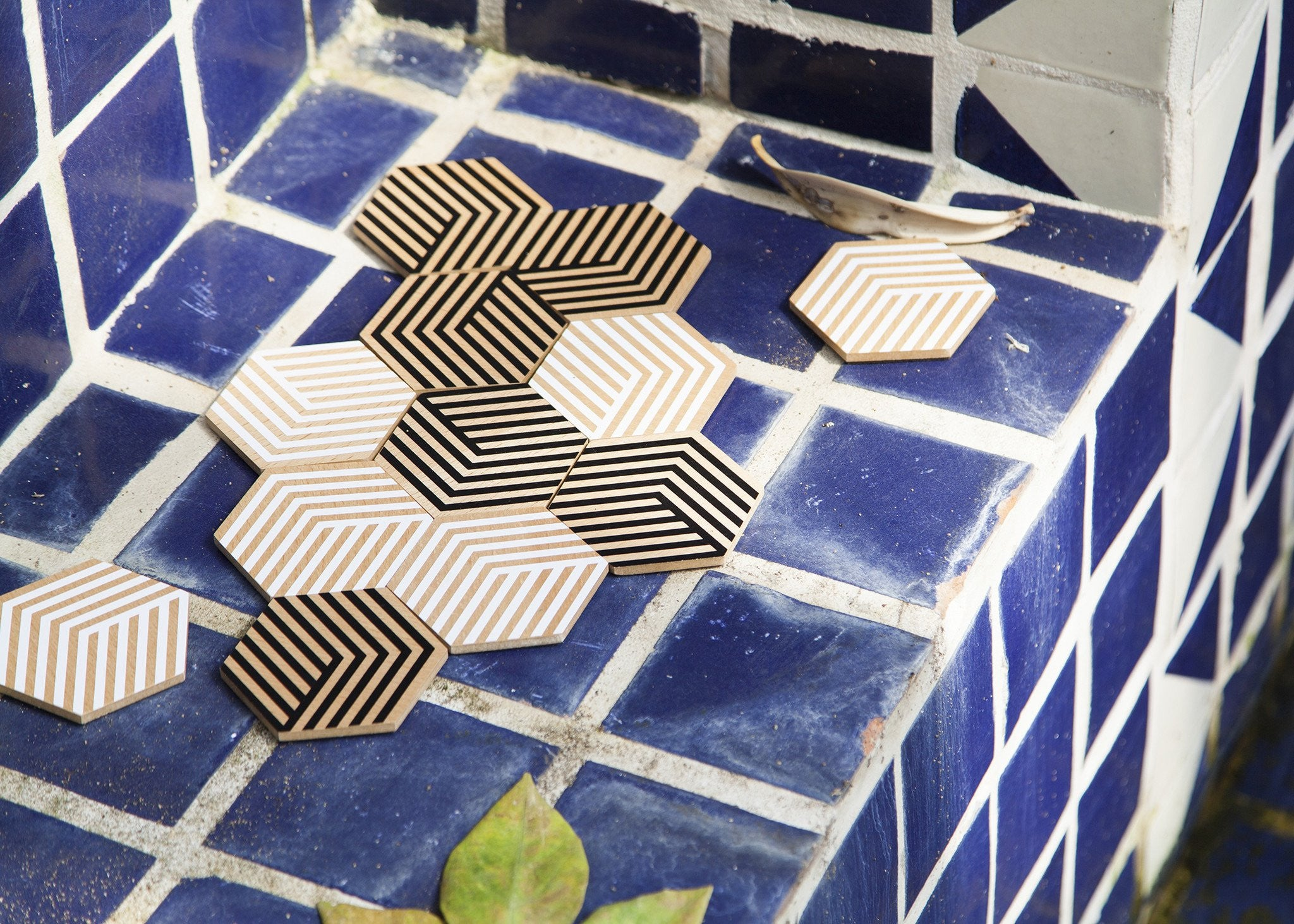 Table Tiles - Optical Black