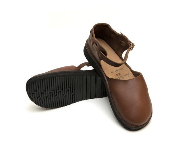 Aurora Shoe Co. - Women's Chinese (Brown)