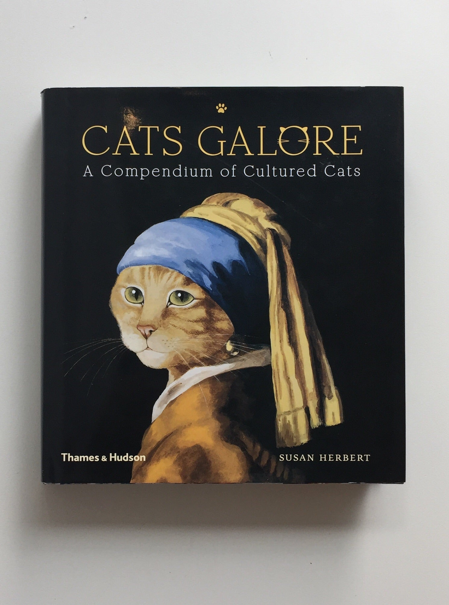 Cats Galore: A Compendium of Cultured Cats by Susan Herbert