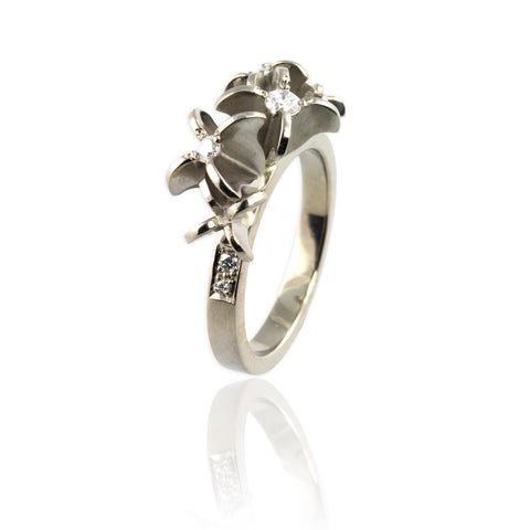 White Gold and Diamonds Flower Ring