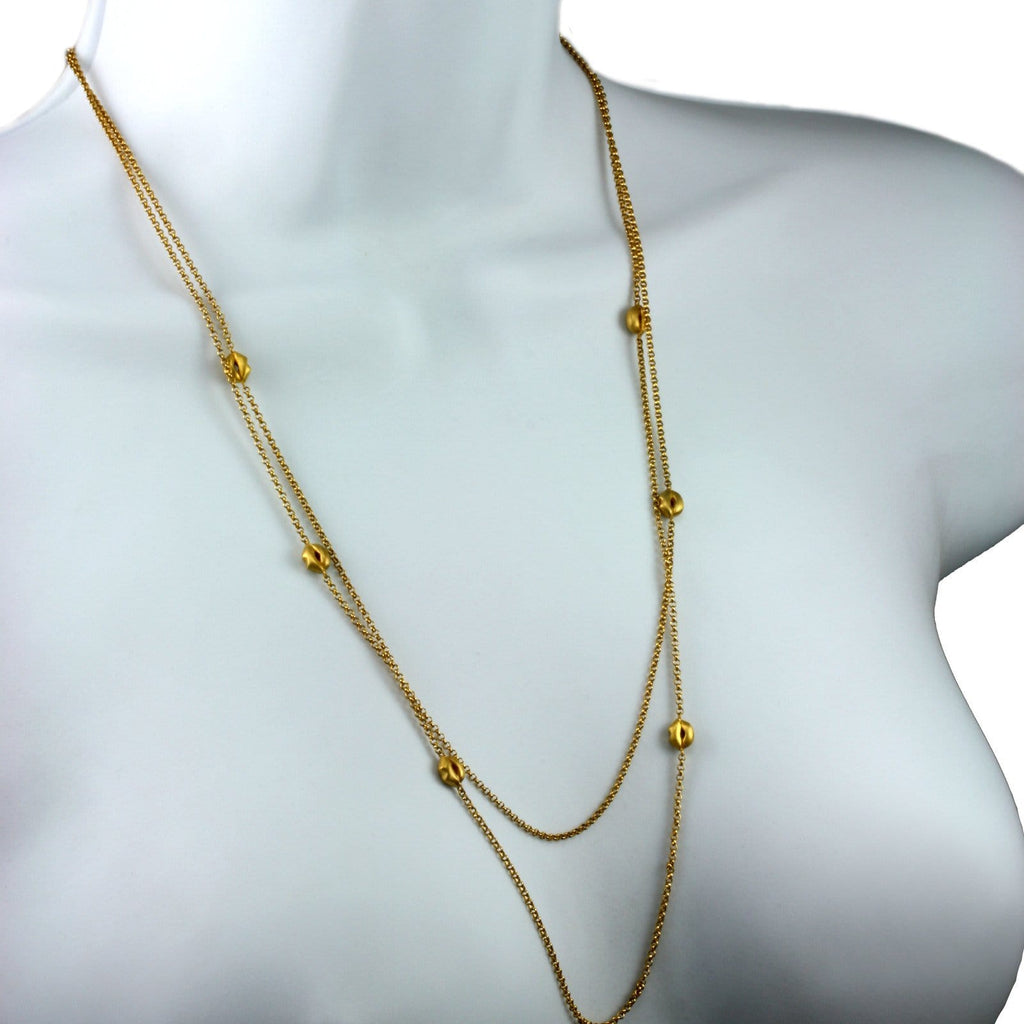 Golden Lip Necklace | Contemporary Jewellery - Jana Reinhardt Ltd - 2