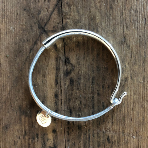OISE SILVER AND PALE SILVER LEATHER BANGLE