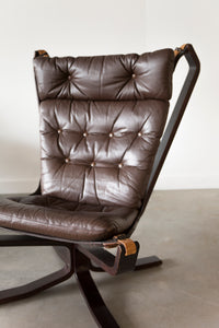 Falcon Chair 05