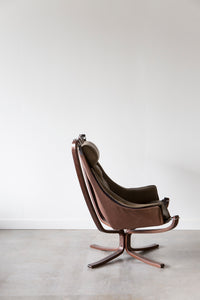Falcon Chair 07