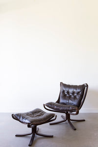 Falcon Chair 02
