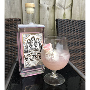 THREE GRACES LIVERPOOL ROSE FLAVOURED GIN Scouse, the sassy bird, Scouse bird probs, Scouse bird problems, Scouse bird blogs, gin, ale, booze, boozy, pink