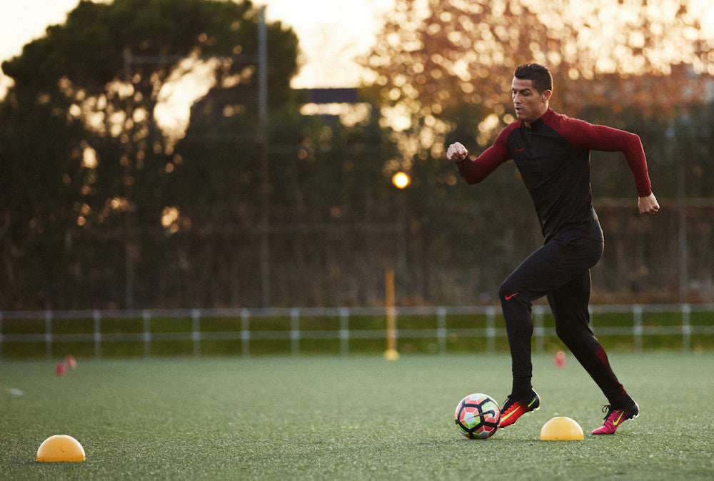 Best Soccer Cleats For Strikers   East