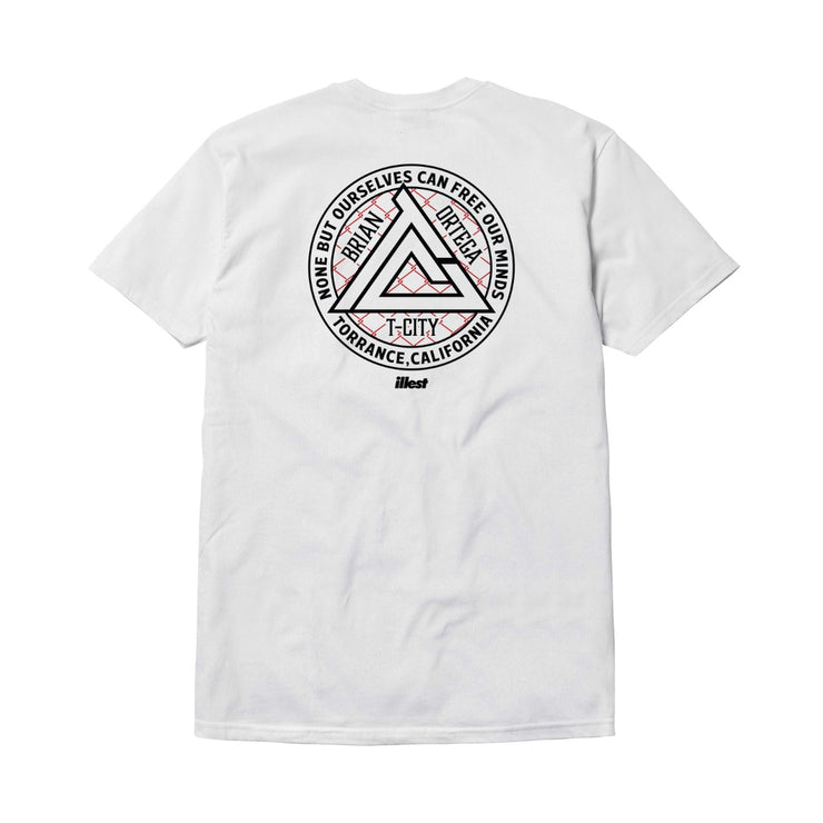 TC TRIANGLE BADGE T-SHIRT