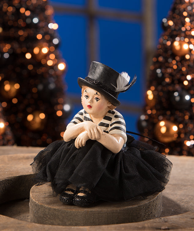Bethany Lowe Mime Madeline-Figurine-Oakview Collectibles