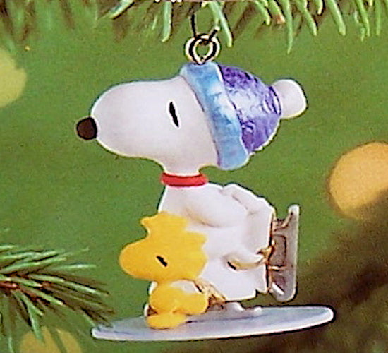 Hallmark 2001 Winter Fun With Snoopy #4 - Miniature-Ornament-Oakview Collectibles