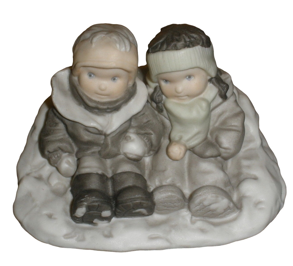 Pretty As A Picture Snow Where Else I'd Rather Be 284440-Figurine-Oakview Collectibles