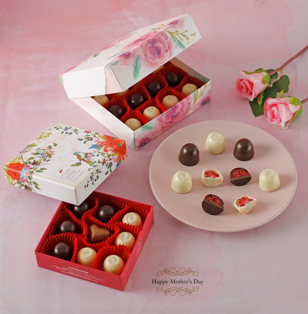 Floral Box 16 Pcs - Fruit Praline - New