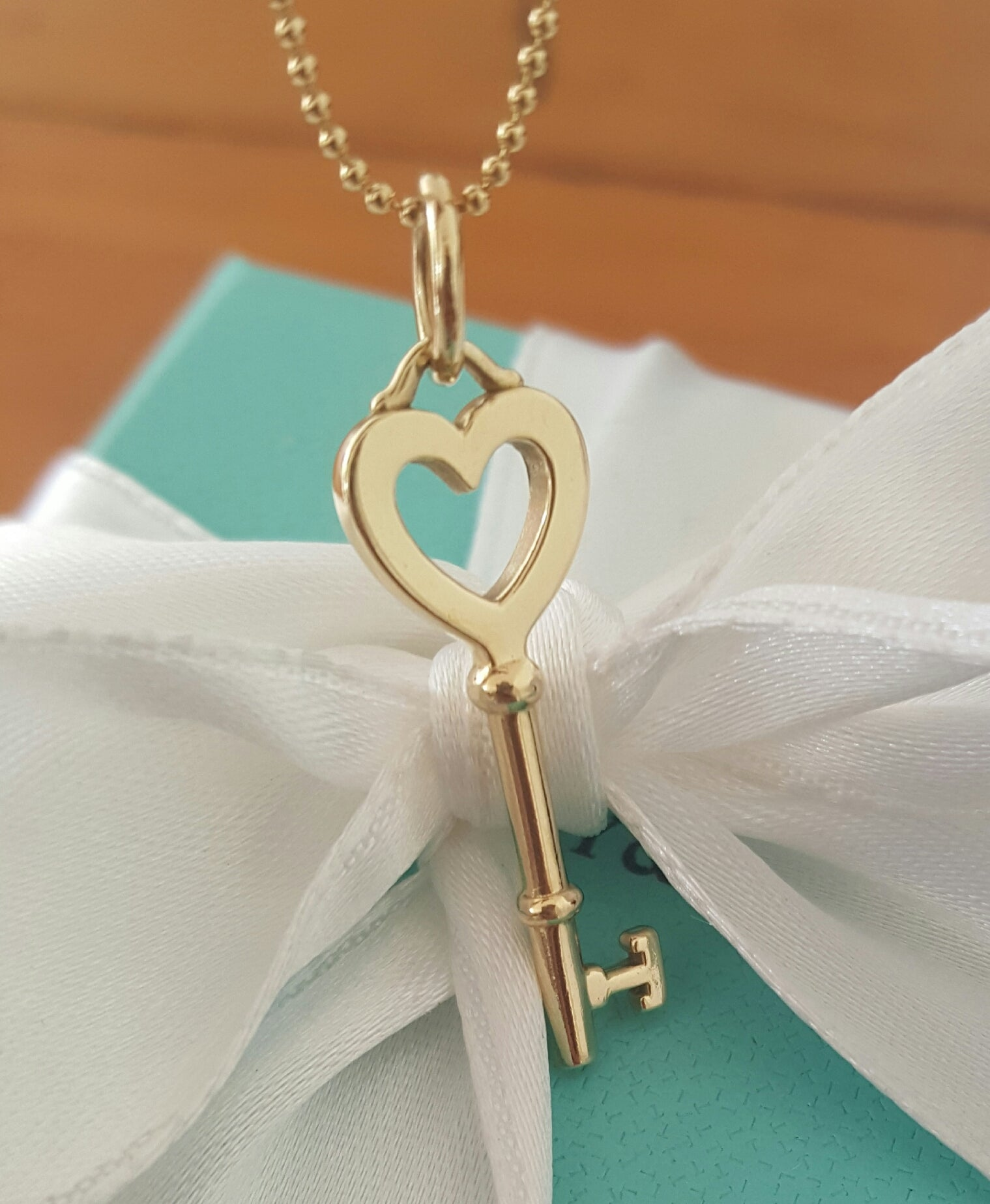 Tiffany co 18ct yellow gold key pendant necklace on 18ct gold 18ct yellow gold key pendant necklace on 18ct gold bead chain mozeypictures Choice Image