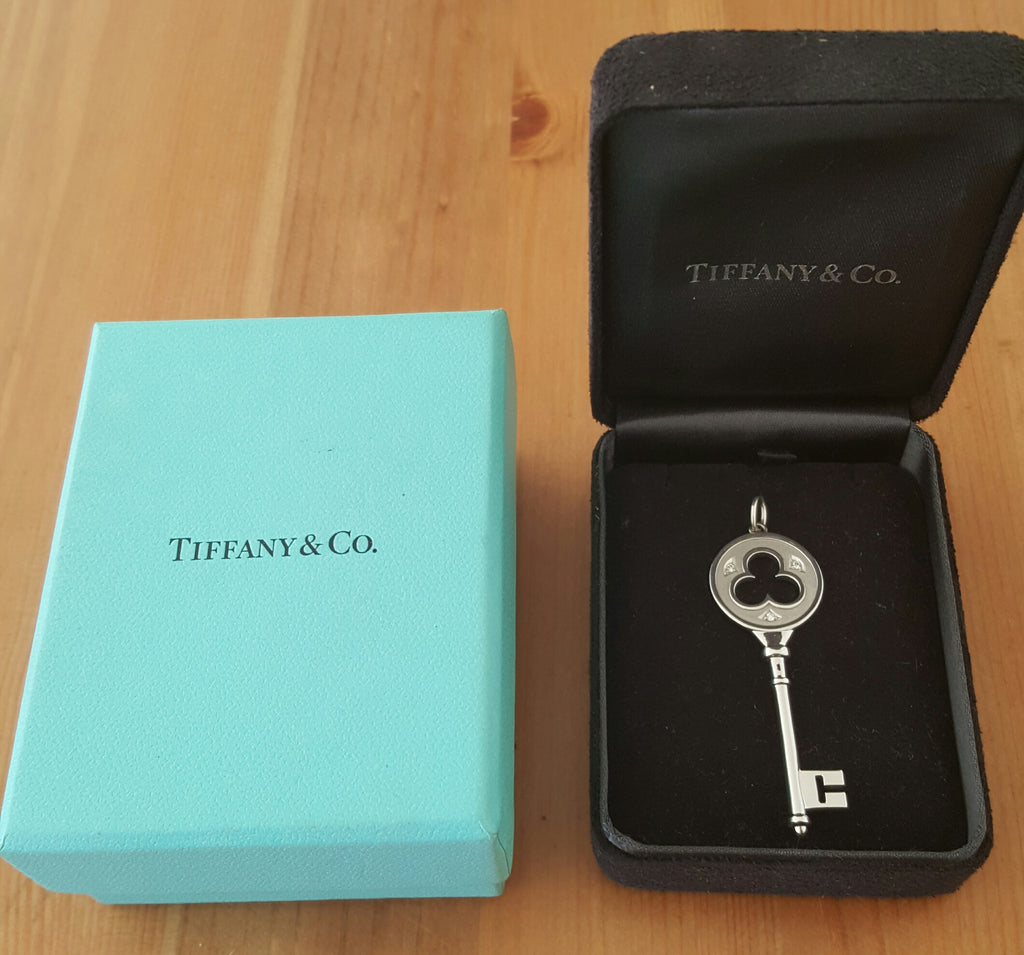 71058857f745 ... Tiffany   Co. 18ct White Gold and Diamond Large 2 inch Clover Key  Pendant ...