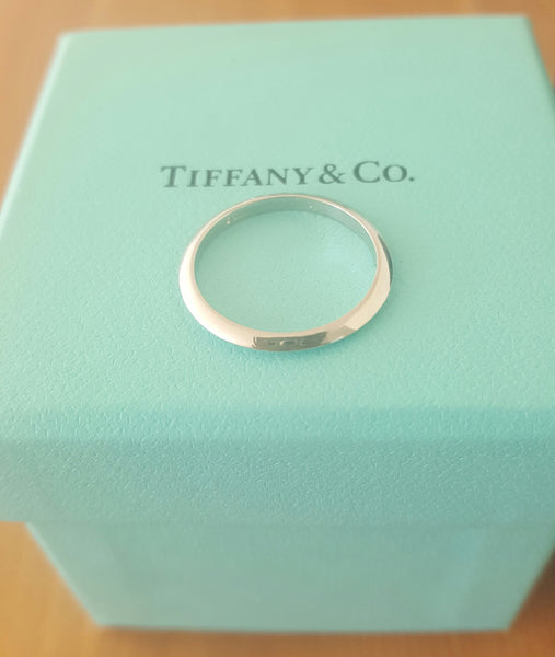 Tiffany & Co. 2mm Platinum Knife Edge Wedding Band Size 5.5