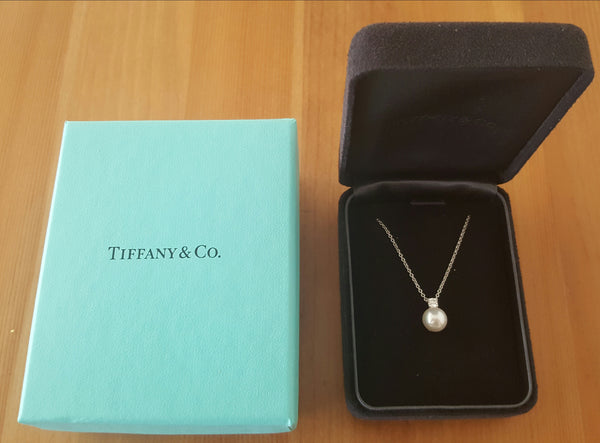 Tiffany & Co. 0.10ct Diamond and 7.6mm Pearl Necklace Pendant in White Gold 16""