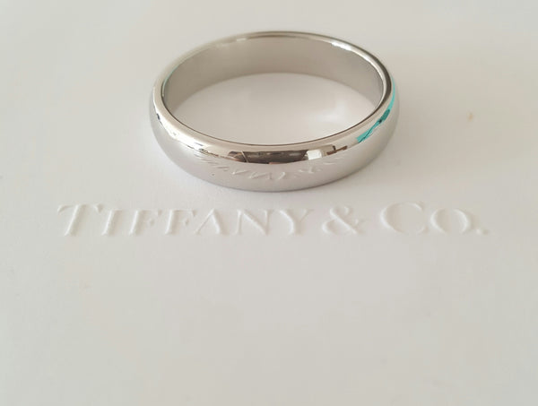 Tiffany & Co. 4.5mm Platinum Classic Mens Wedding Band Size 10 RRP $2500