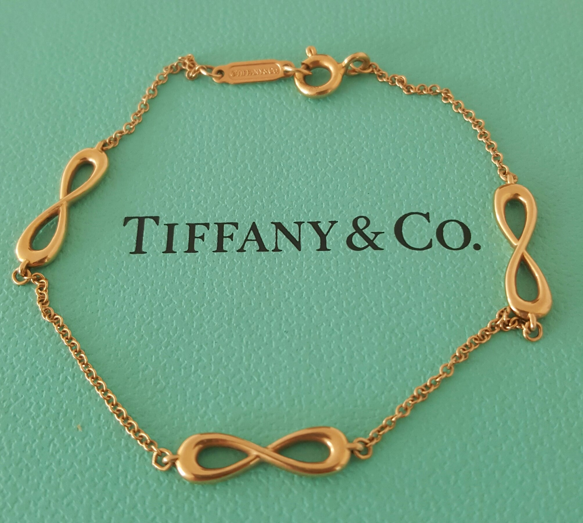 Tiffany & Co. 18ct Rose Gold 3 Motif Infinity Bracelet with Packaging