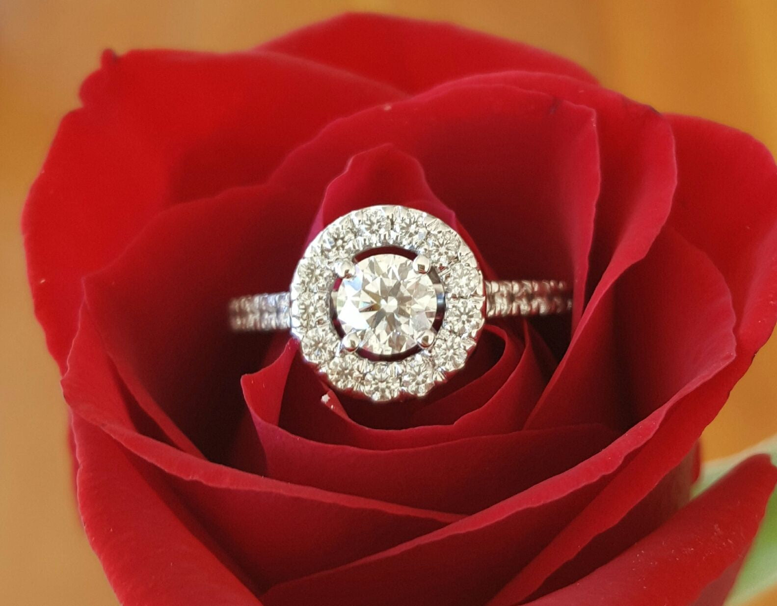 Hearts on Fire Limited Edition 0.95tcw Diamond Halo Engagement Ring 18ct Gold