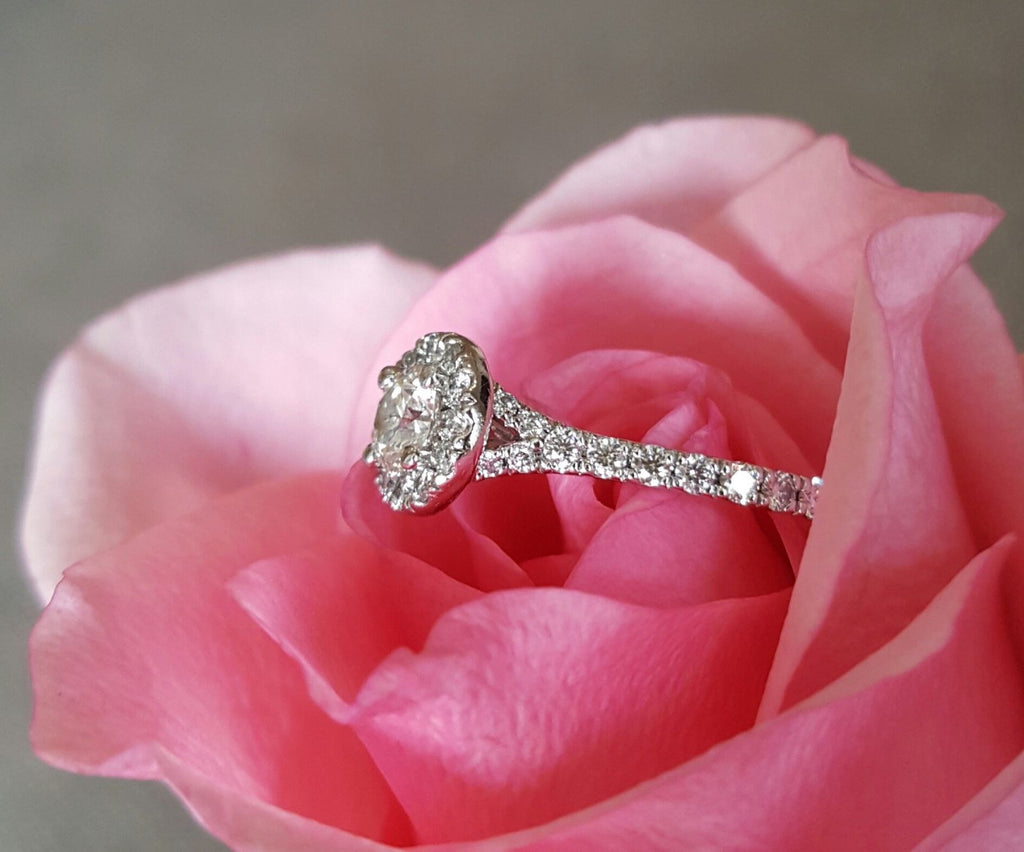 Hearts on Fire 0.96tcw Transcend Round Diamond Halo Engagement Ring ...