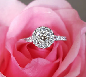 Hearts on Fire 0.96tcw Transcend Round Diamond Halo Engagement Ring RRP $11085