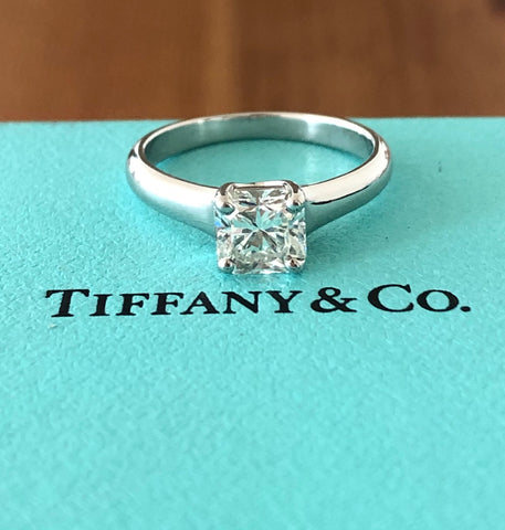 Tiffany & Co. 0.90ct H/VS1 Lucida Diamond Solitaire Engagement Ring