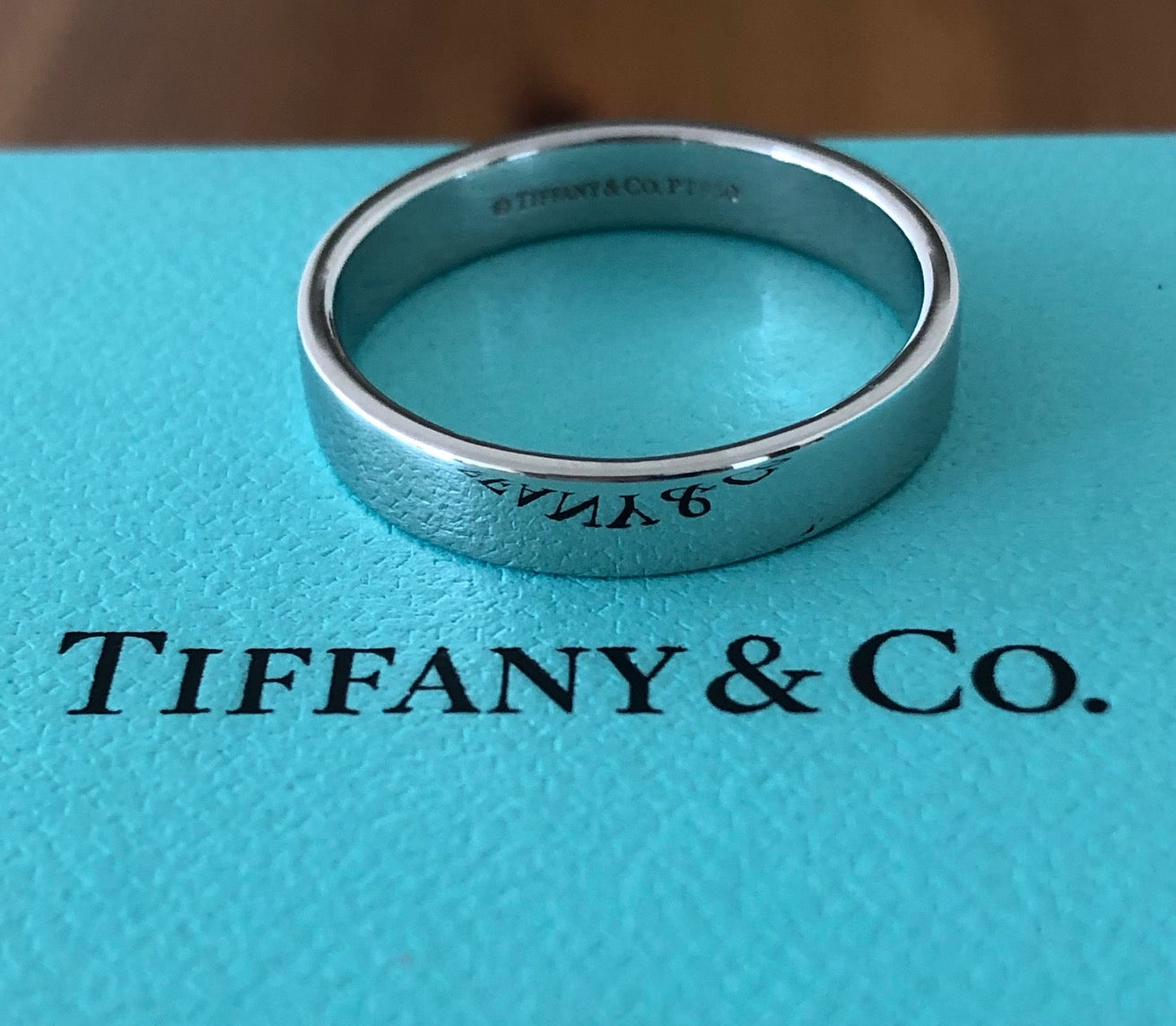 Tiffany & Co. Mens Platinum Wedding Band Ring 4mm Wide Size 9.25 RRP $2550