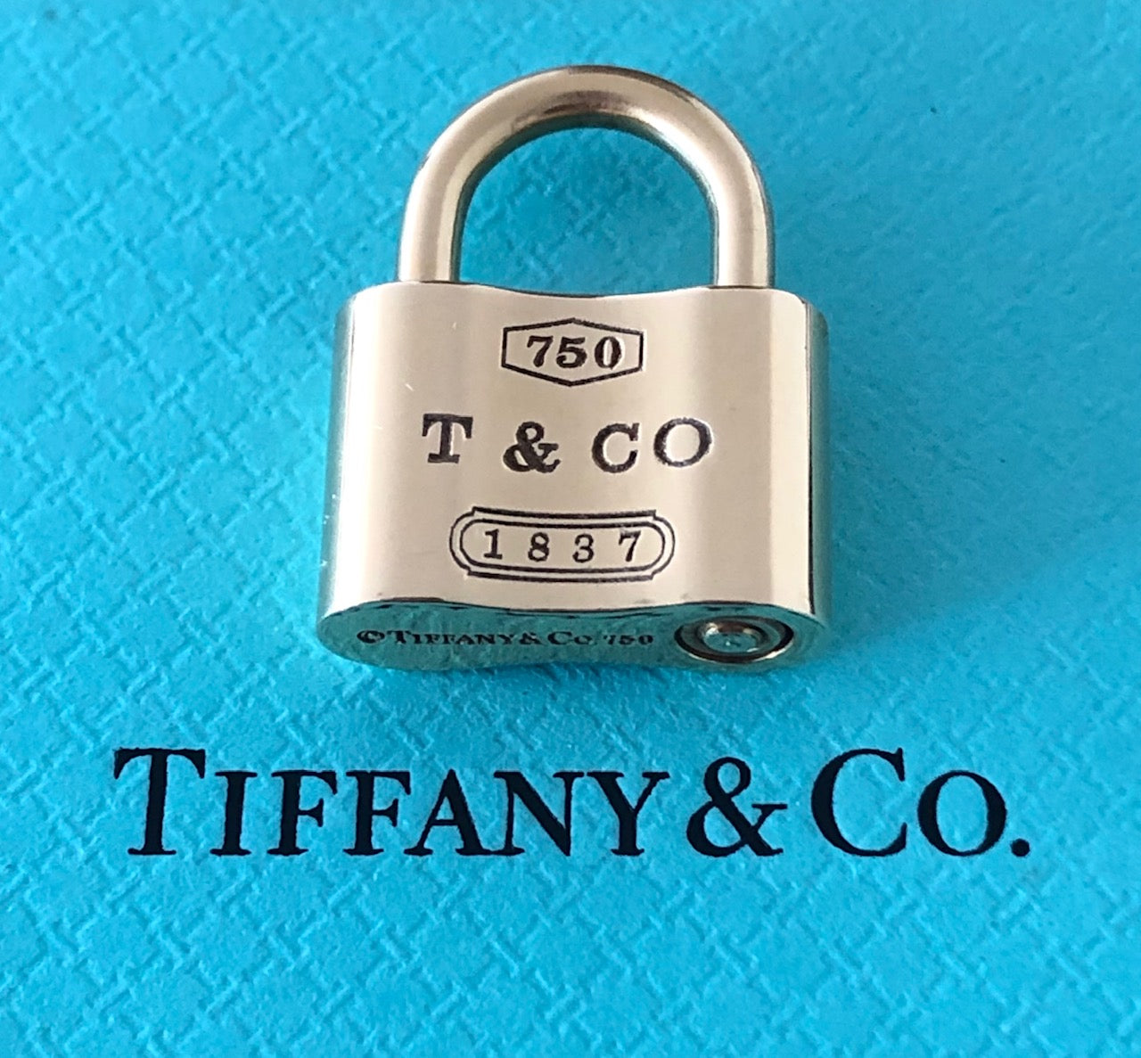Tiffany & Co Solid 18k Yellow Gold 1837 Padlock Pendant / Charm Opens & Closes