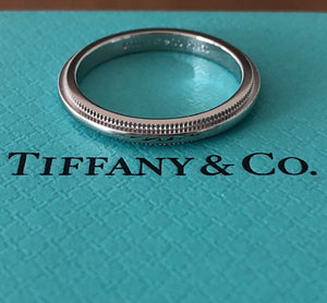 Tiffany & Co. 2mm Platinum Milgrain Wedding Anniversary Ring RRP $1600 Size 4.25