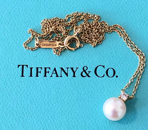 Tiffany & Co. 0.05tcw Diamond 6.5mm Pearl Necklace Pendant 18ct Yellow Gold