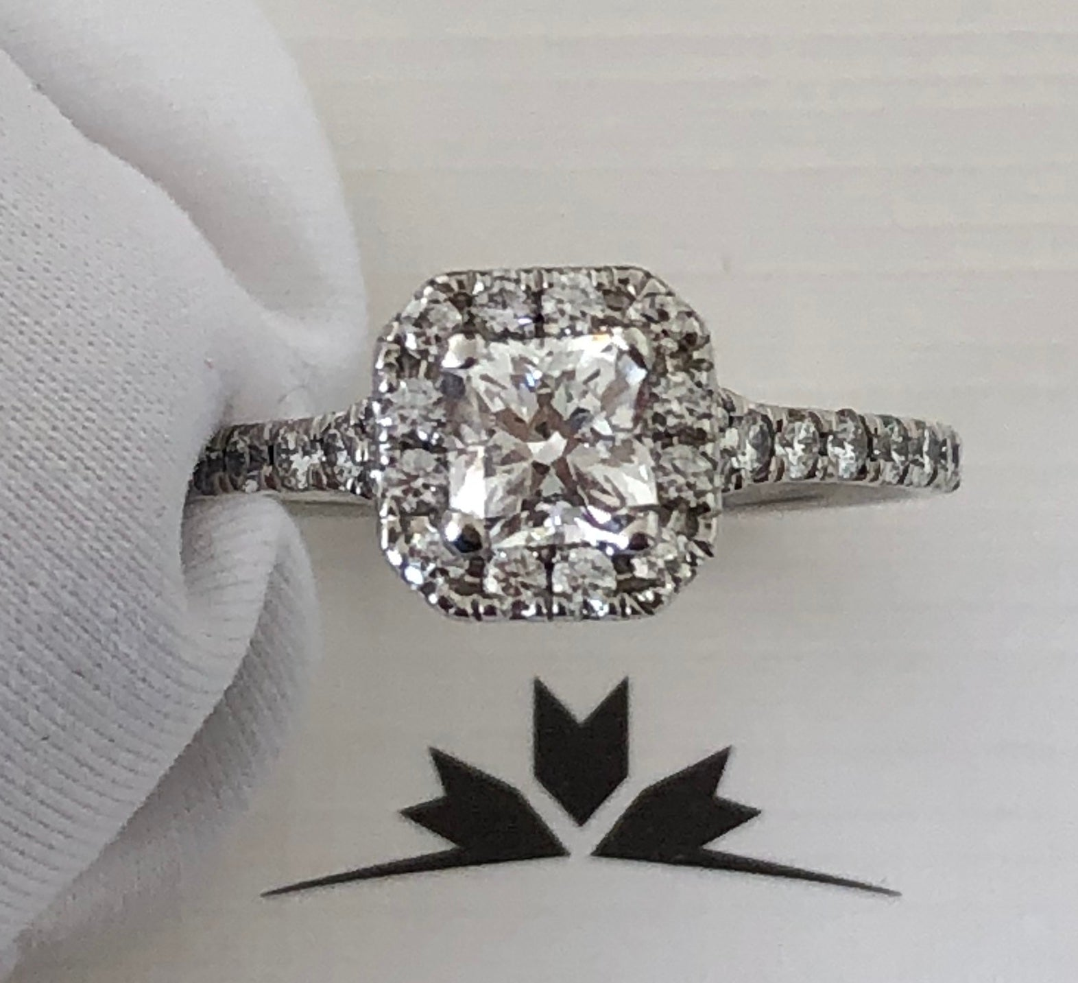 Hearts on Fire 0.98tcw (0.58ct) Diamond Halo Dream Cut Engagement Ring $10025
