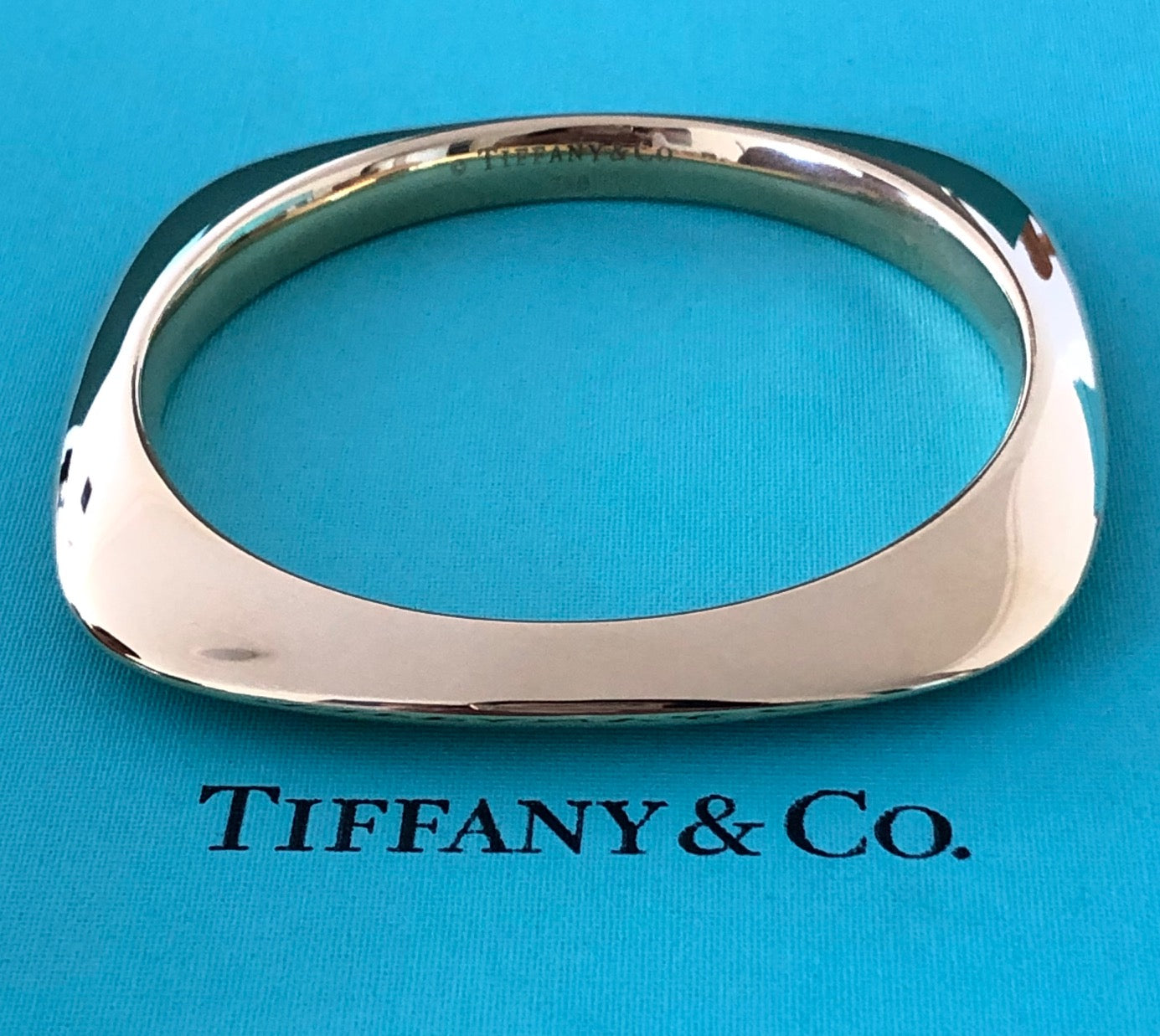 Tiffany & Co 18ct Yellow Gold *50gms* Vintage Square Knife Edge Bangle Bracelet